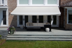 Retractable-lateral-arm-awning-6