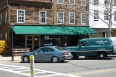Sen-commercial-retractable-awning