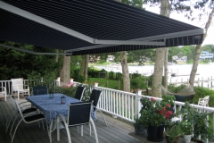 Retractable-lateral-arm-awning-13